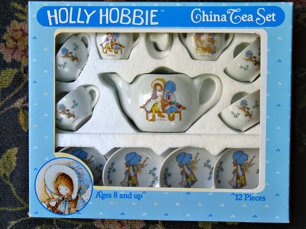 Holly Hobbie Tea Set