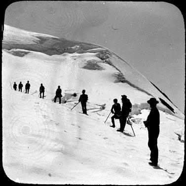 Cordée sur le glacier de Saint-Sorlin dans le massif des Grandes Rousses, Savoie