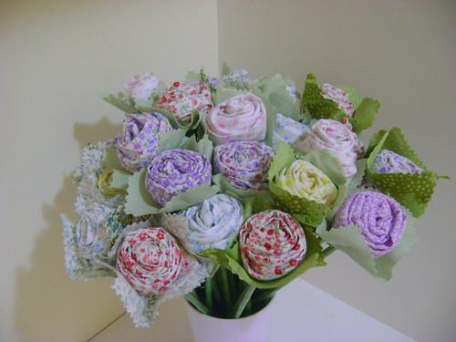 Rosas de Tecido by Sweet by Carla
