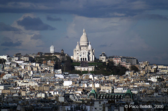 Sacré-Coeur visto desde Notré-Dame. © Paco Bellido, 2006