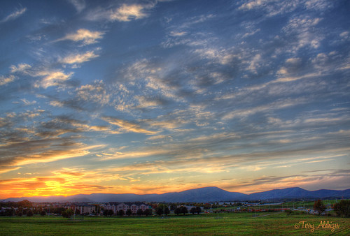 sky mountains grass clouds airport twilight view roanoke valley terry hdr regional aldhizer