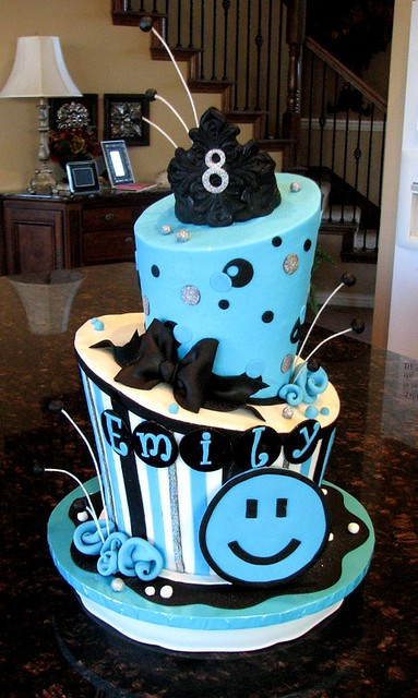 8Th Birthday Cake Ideas http://www.flickr.com/photos/cakesbyashley/6263503107/