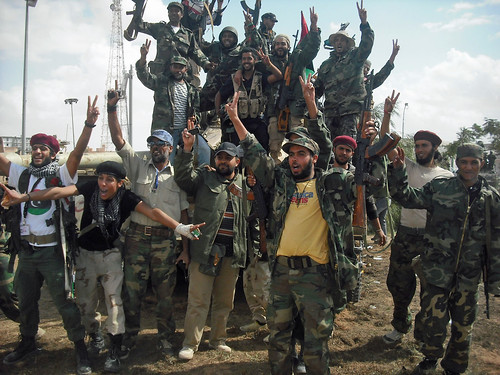 111019 NTC fighters claim Bani Walid | مقاتلو المجلس الوطني الانتقالي يسيطرون على بني وليد | Les combattants du CNT revendiquent la prise de Bani Walid