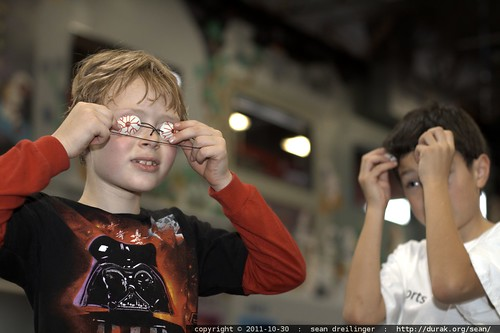boys figure out the bloodshot eyes    MG 7837