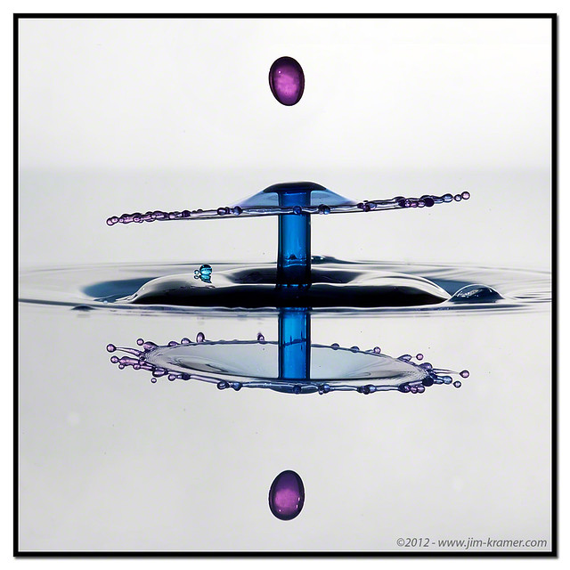 Purple Teardrop #8631 | ©2011 - www.liquids-in-motion.com