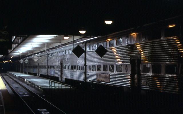 19980321 01 metra chicago union station explore davidwil