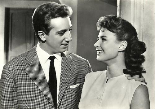 Mike Bongiorno and Marisa Allasio in Ragazze d'oggi (1955)