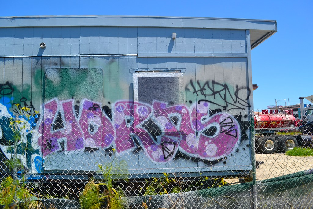 HORNS, DFM, Street Art, Oakland, Graffiti