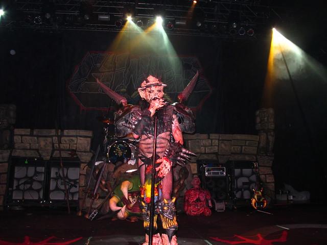 Of warbeast every time i die and gwar november 20 2011 live singer