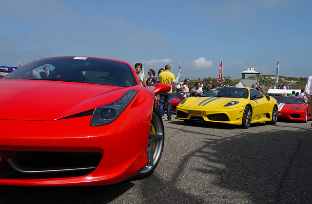 Ferrari 458 Italia vs