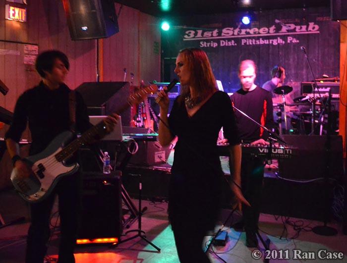 Shutterdown @ 31st Street Pub, Pittsburgh, PA ©2011 Ran Case - DOOM! Magazine