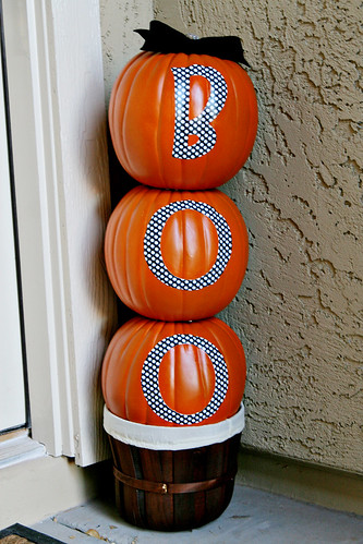 Diy tutorial boo stacked pumpkins see vanessa craft for Boo pumpkin ideas