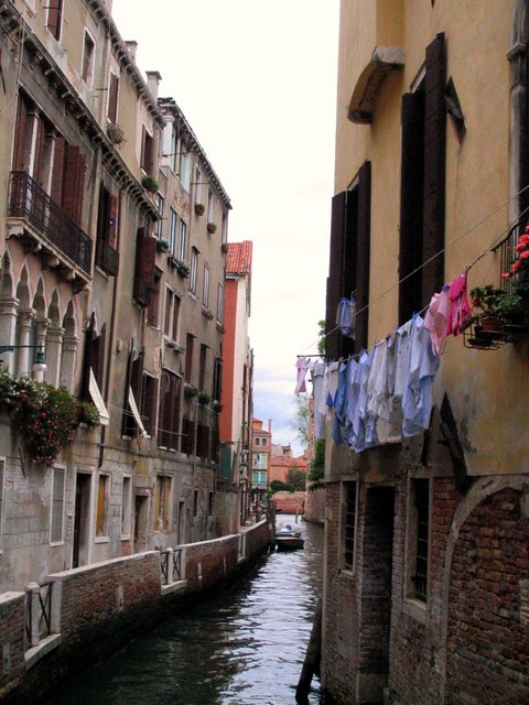 washing line in venice