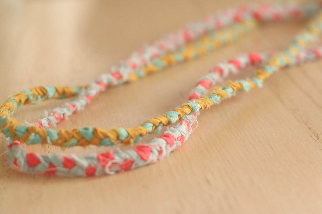 DIY baby-friendly fabric braided necklaces | yourwishcake.com