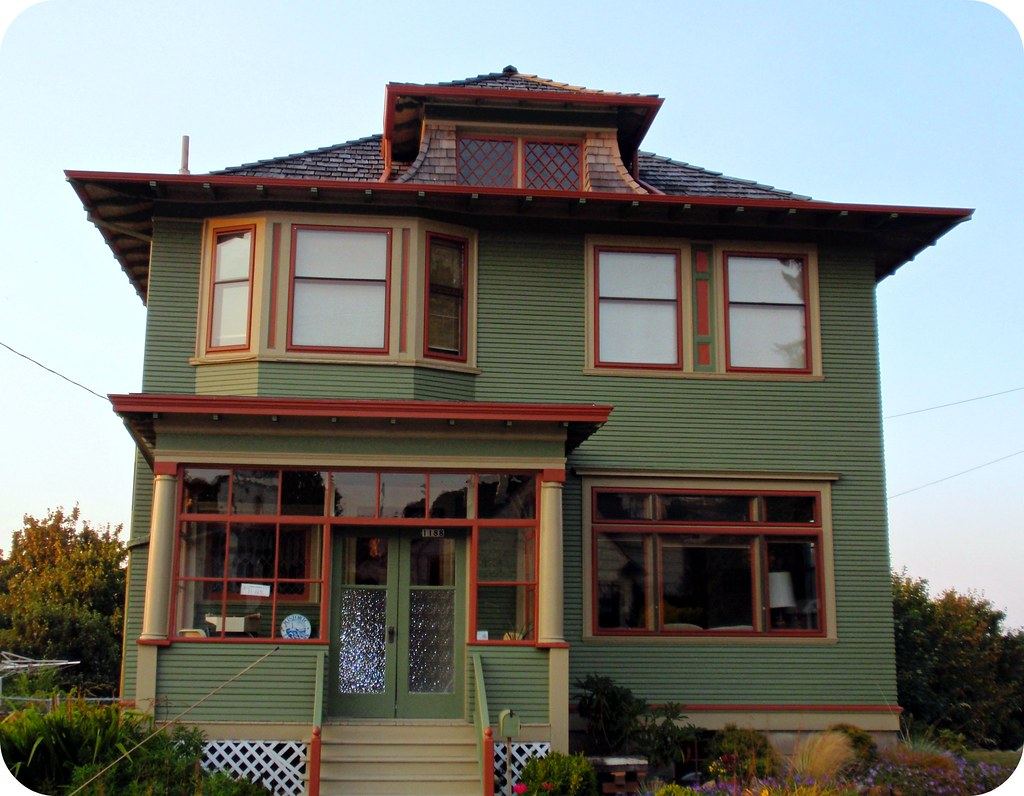 Olive Green Orange American Foursquare House Astoria Or Flickr