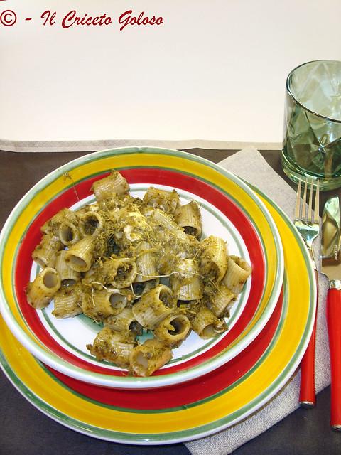 Mezzi paccheri con crema di broccoli e mozzarella