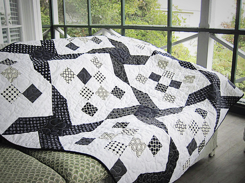 black and white quilt 2