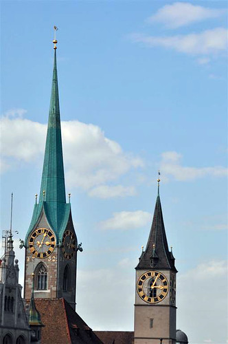 Torres de la iglesia Fraumünster. zurich - 6332177339 0f2eae029a - Dos paseos por la ciudad suiza de Zürich