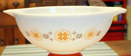 444 cinderella mixing bowl town and country pyrex