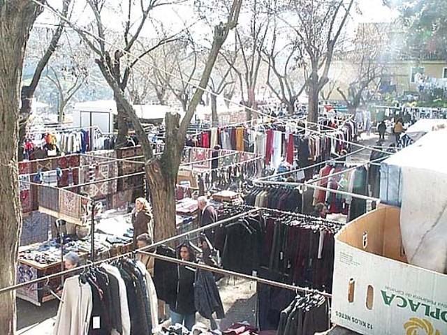 Mercado del Martes en el Paseo del Carmen hacia 1995. Foto Diputación de Toledo