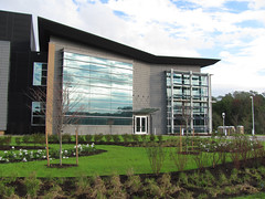 Advanced Energy Center, SUNY Stonybrook (by: Colt Group, creative commons license)