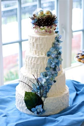 Lovebird wedding cake