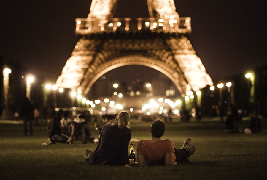 LE LOVE BLOG LOVE STORY LOVE PHOTO IMAGE COUPLE PICNIC EIFFEL TOWER WE WILL ALWAYS HAVE PARIS EXCHANGE STUDENT ROMANCE LONG DISTANCE Paris Paris by Joanna Kitchener, on Flickr