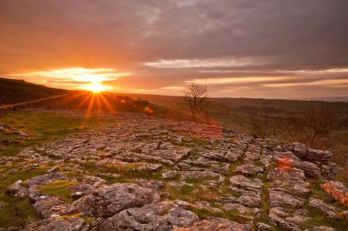 uk sunrise northyorkshire yorkshiredales limestonepavement malhamcove nikond90 tamron1750mmf28xrdiii leendgrad