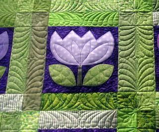 Tulip Appliqe quilt closeup
