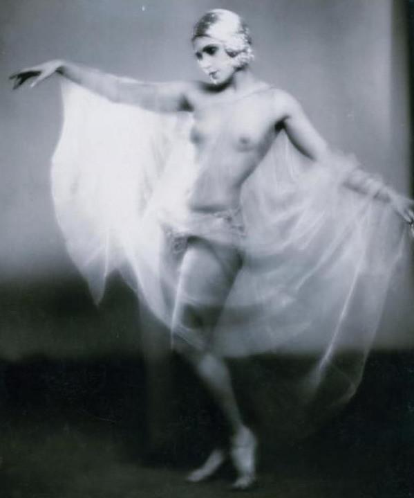 Studio LORELLE 1930s