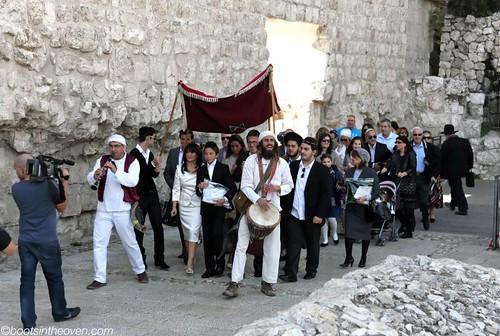 Bar Mitzvah heading towards the Kotel
