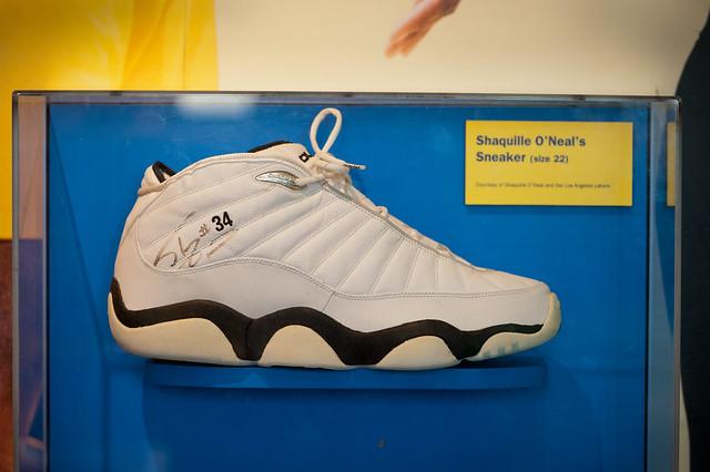 027 shaq's shoe