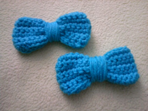 6222842993 f8a0ec2069 Easy Crocheted Bows