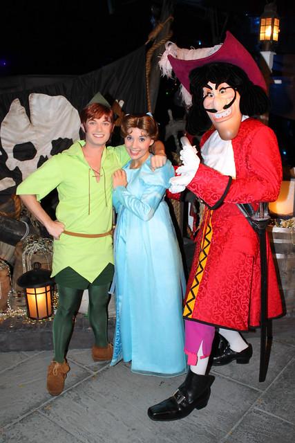 Meeting Peter Pan, Wendy and Captain Hook