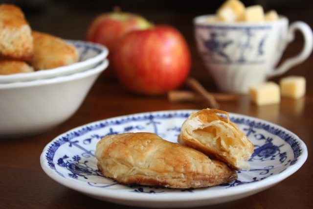 Apple Gouda Hand Pies