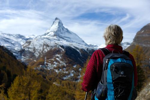 autumn alps fall landscape schweiz switzerland europe dof suisse hiking herbst rangefinder zermatt matterhorn alpen wallis valais cervin findeln cervino deuter 2011 summiluxm 35mmf14asph 35lux messsucher 111029 winkelmatten ©toniv leicam9 l1005431