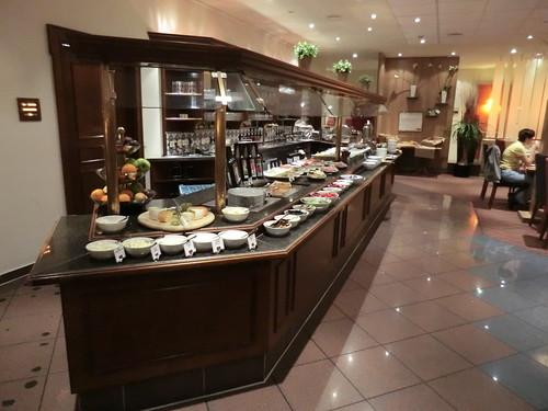 Buffet @ MERCURE HOTEL STUTTGART AIRPORT