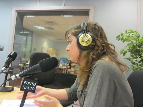 Sonsoles Zubeldia, periodista colaboradora en el diario El País, en Radio Punto Euskadi
