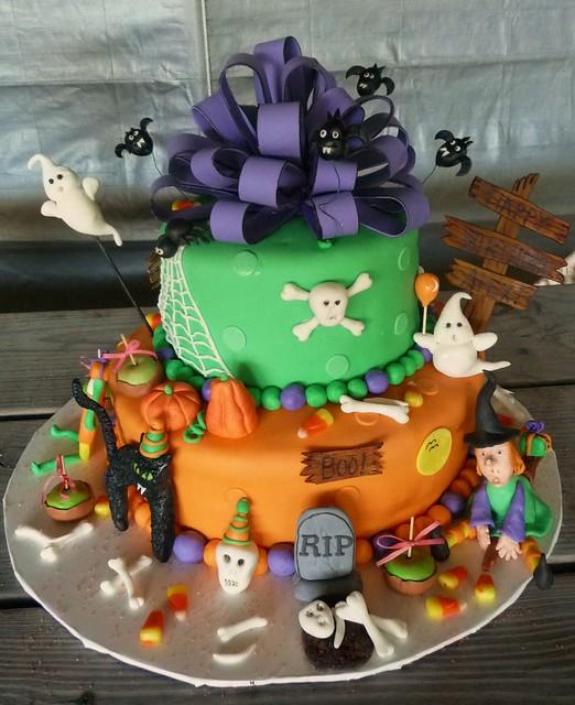halloween cake birthday