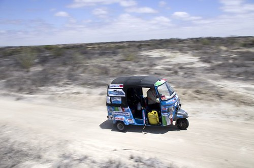 'Taurinorum Rally 2011': tre amici e una Ape Car by Ferrino