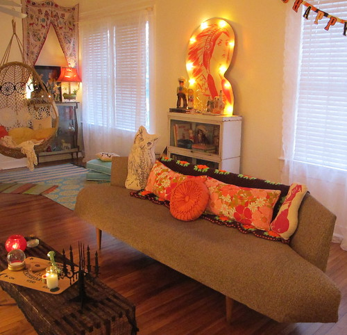 cozy vintage halloween living room