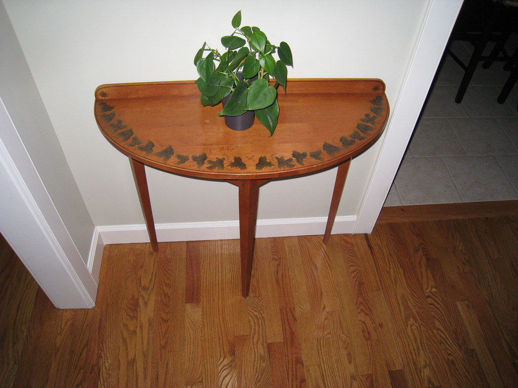 Hitchcock Console Table (Brown)