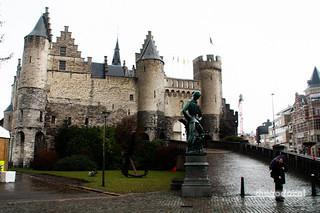Image of Het Steen near Antwerpen. canon rebel belgique antwerp belgica antwerpen anvers xsi antuerpia hetsteen belgic diegodacal dacal