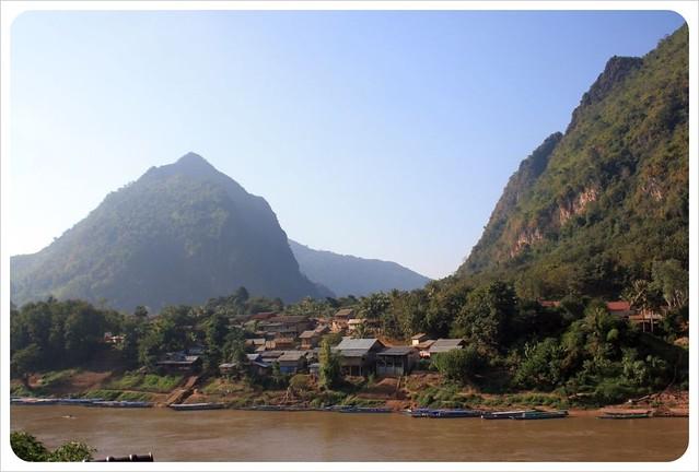 nong khiew & river