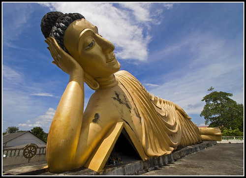 Sri Sunthorn Temple in Phuket - Reclining Buddha