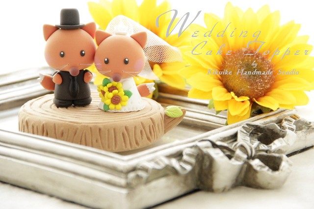 Wedding Cake Topper lovely fox with stump