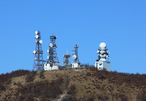 Antennas / 電波塔(でんぱとう)