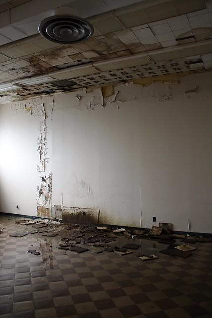 Asbestos tiles