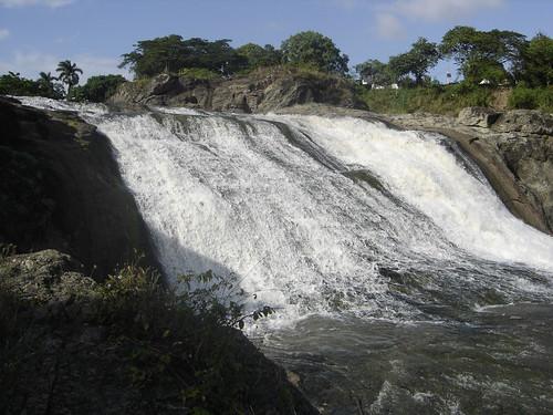 Cascada del río Agabama , Fomento.