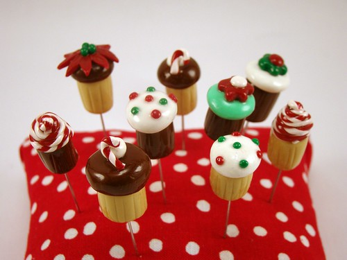 holiday cupcake pin toppers